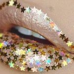 La última moda: lentejuelas en los labios